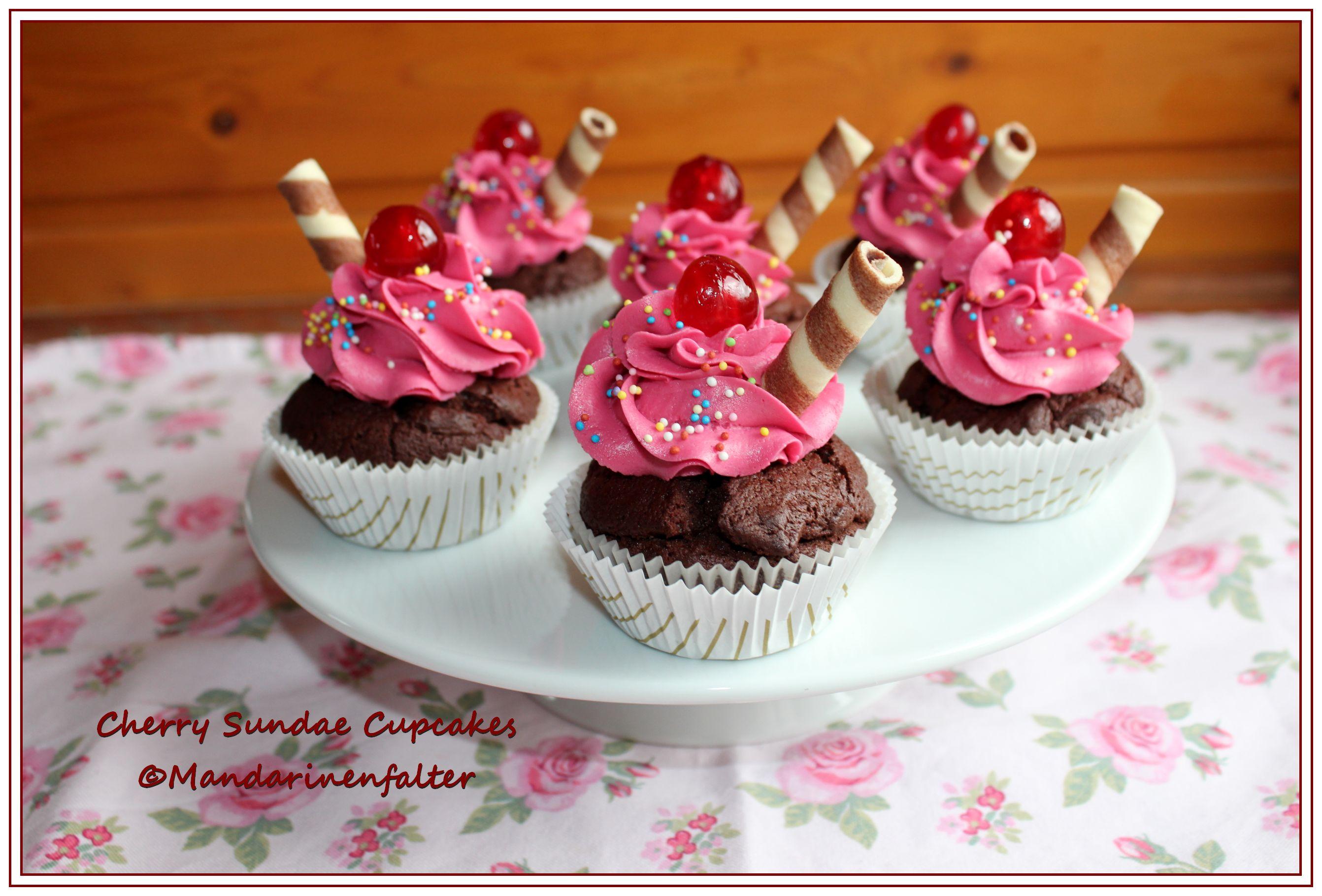 Schokoladen Kirsch Cupcakes Im Sundae Style Chocolateandonions