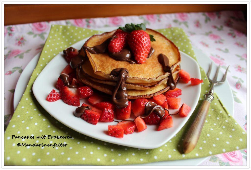 fluffige pancakes mit erdbeeren endlich fr hling chocolateandonions. Black Bedroom Furniture Sets. Home Design Ideas