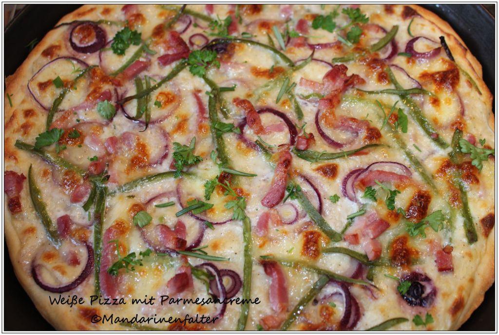 Weiße Pizza mit Parmesancreme