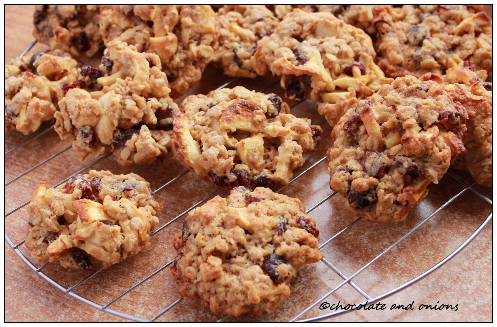 haferflocken cookies mit apfel und cranberries. Black Bedroom Furniture Sets. Home Design Ideas
